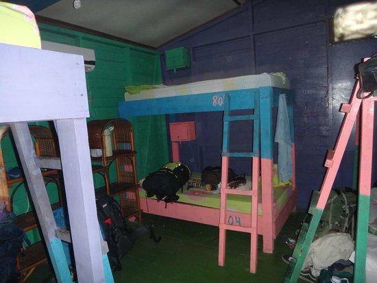 Hostel Heike: Habitación de 6 con aire