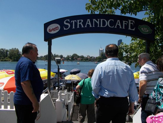 Strandcafe: Into the outside seating area