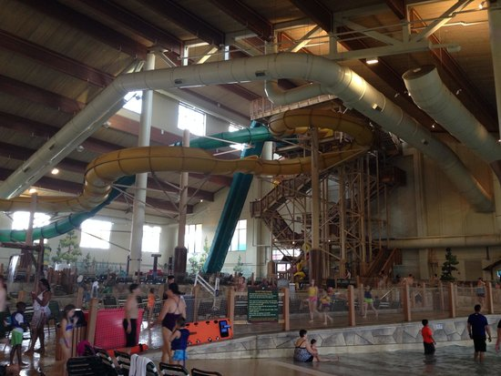 Great Wolf Lodge: Inside pool areas