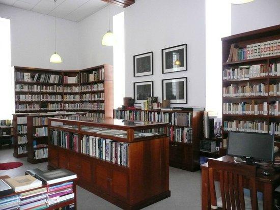 Casa Jose Saramago: biblioteca