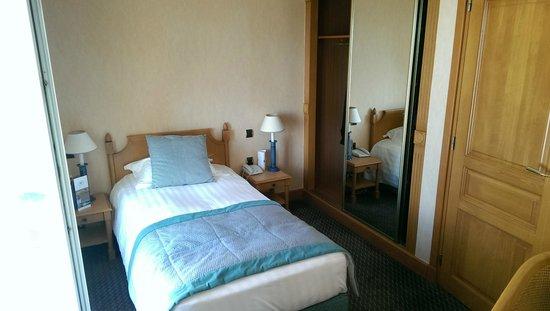Le Grand Hotel des Thermes Marins de St-Malo: Chambre individuelle