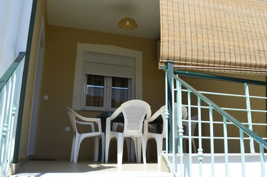 Antigone View Apartments: A nice terrace where we have taken our breakfast