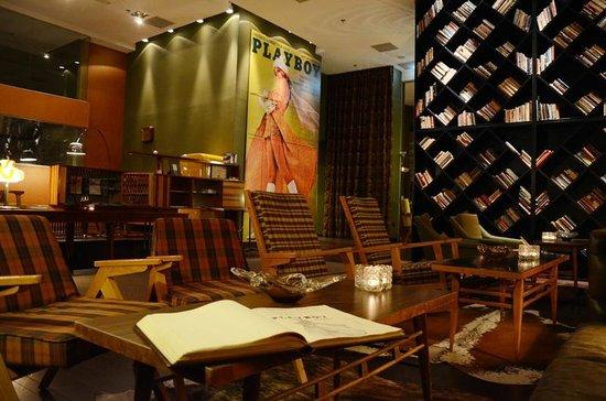 Brown TLV Urban Hotel: lobby
