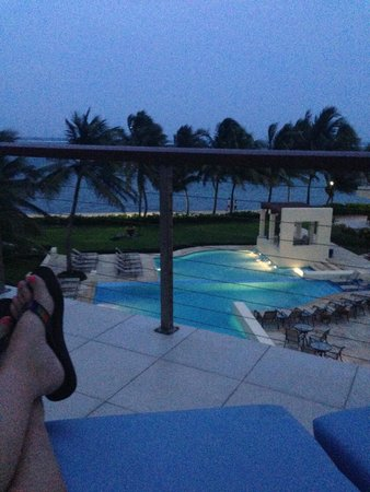 The Phoenix Resort: evening