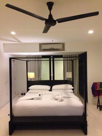 Montigo Resorts Nongsa: Beautifully appointed main bedroom in the villa!