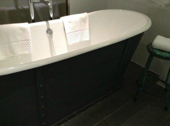 Salthouse Harbour Hotel: Bath