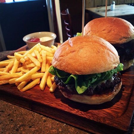 Earth and Stars: Burgers!