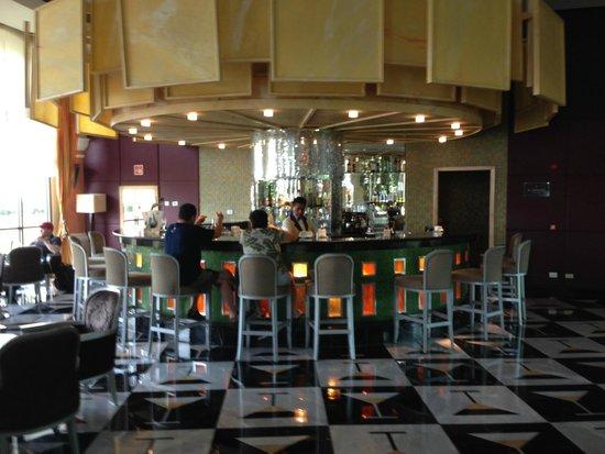 Iberostar Grand Hotel Paraiso: Lobby bar.