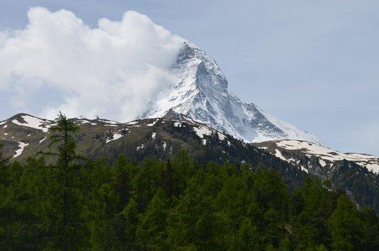 Matterhorn view from hiking trail