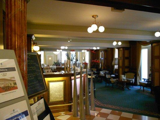 Bellevue Hotel: LOBBY Y SALÓN DE LECTURA