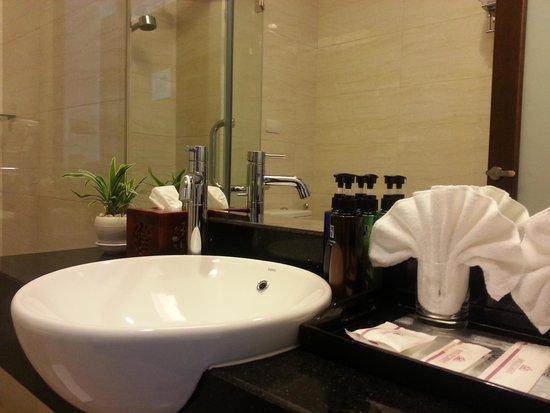 Super hotel Hanoi Old Quarter : hotel bathroom