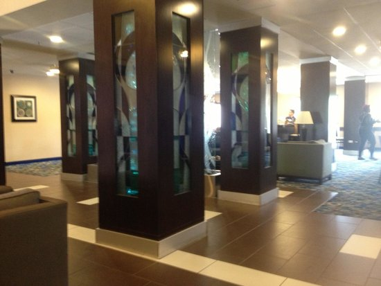 Holiday Inn Express & Suites Atlanta Airport West - Camp Creek : Lobby