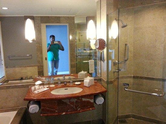 Thistle Johor Bahru: Bathroom