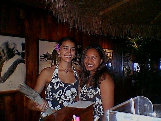 Duke's Waikiki: 受付のおねーさん