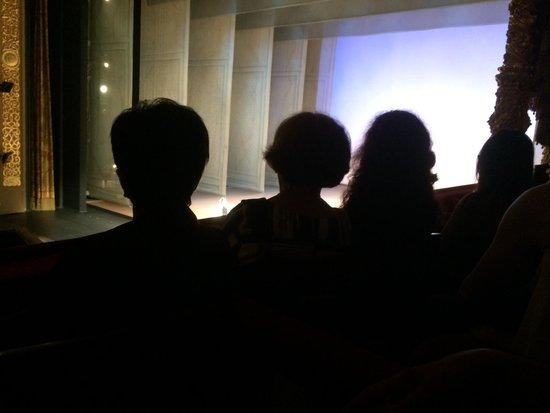 Bolschoi-Theater: Вид на сцену.Второй ряд 2 ложа бельэтажа справа
