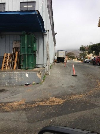 La Quinta Inn San Francisco Airport North: Vegetable warehouse shares property