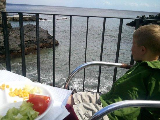Bar Caloura: my 3 year old enjoying the salad