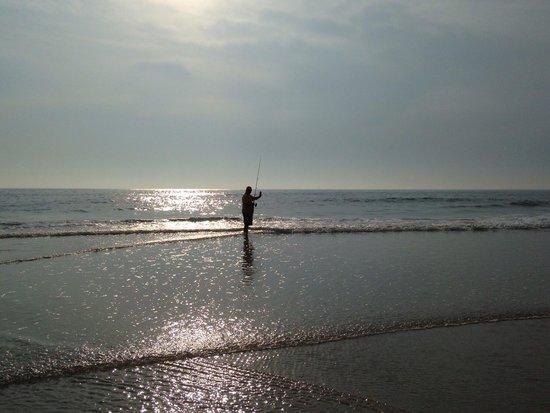 Beach at Daytona Beach: Shore fishing on Daytona Beach