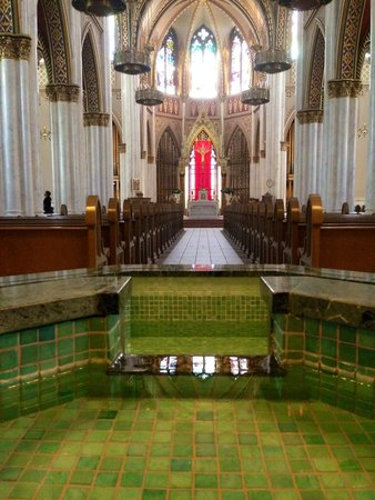 Cathedral of St. Helena: The baptismal pool