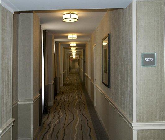 The Westin Hilton Head Island Resort & Spa: Hallway
