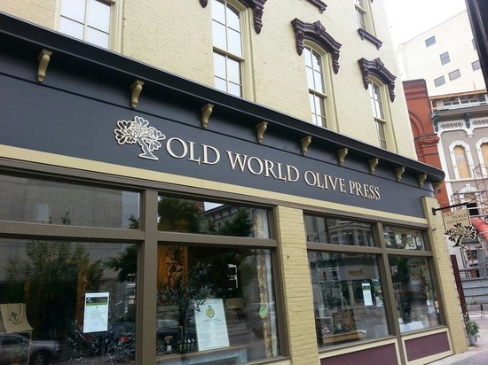 ‪Old World Olive Co‬