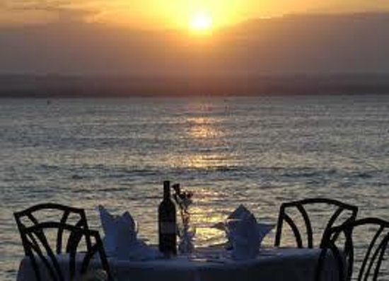 Best Western Coral Beach Hotel : Wine and Sunset
