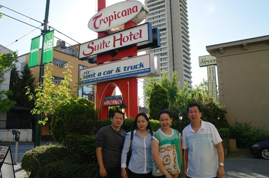Tropicana Suite Hotel Front