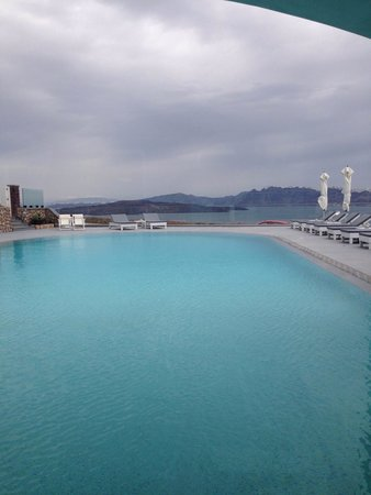 Acroterra Rosa Luxury Suites: View from the breakfast