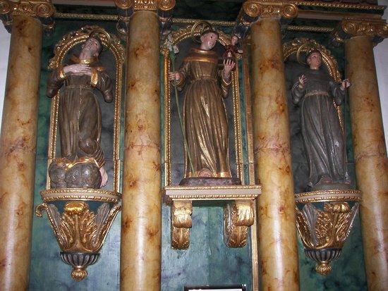 Mission Dolores : Exquisite sculptures