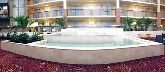 Embassy Suites by Hilton Cleveland - Beachwood : lobby