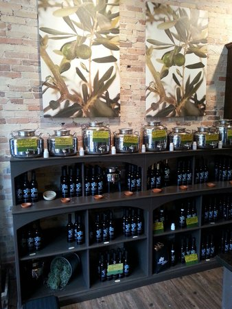 Old World Olive Co: There are sweet, savory, and well aged vinegars. I tried a variety of vinegars and oils and they