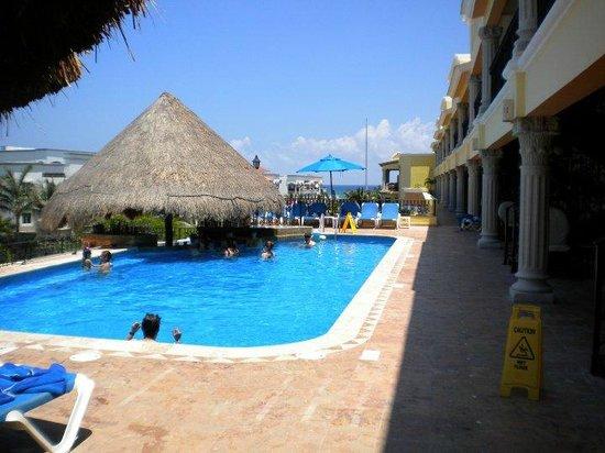 Gran Porto Resort: roof top/adult pool