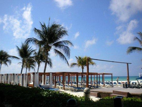 Gran Porto Resort: beach area