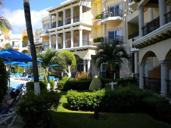 Gran Porto Resort: rooms near pool area