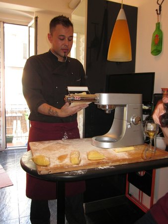 Cooking Vacations Italy : Chef Stefano demonstrates pasta making