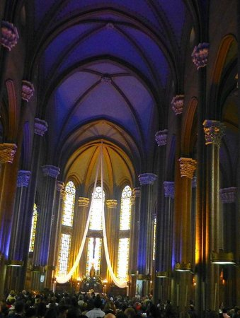 Apart Hotel Taksim : church, Istiklal