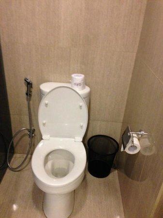 Hotel Neo Mangga Dua Square: wc