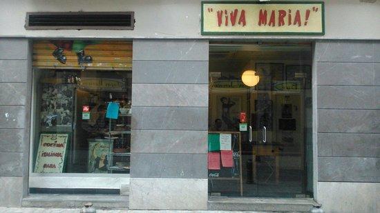 ¡Viva María!: 店門口