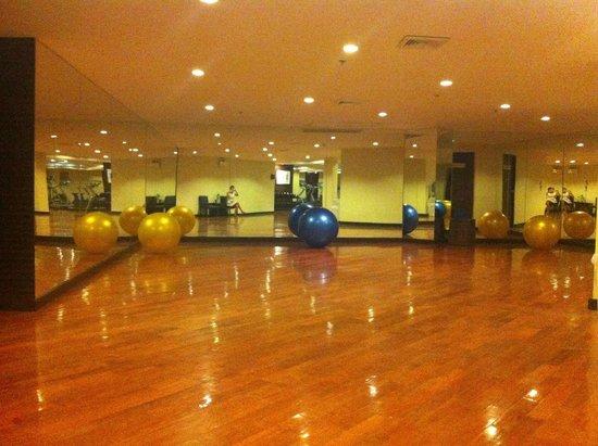 Novotel Hua Hin Cha Am Beach Resort and Spa : fitness , yoga area