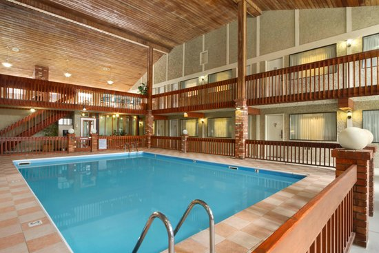 Days Inn Vernon : Heated Indoor Pool