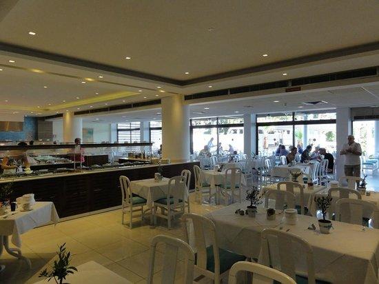 Crystal Springs Beach Hotel: Buffet