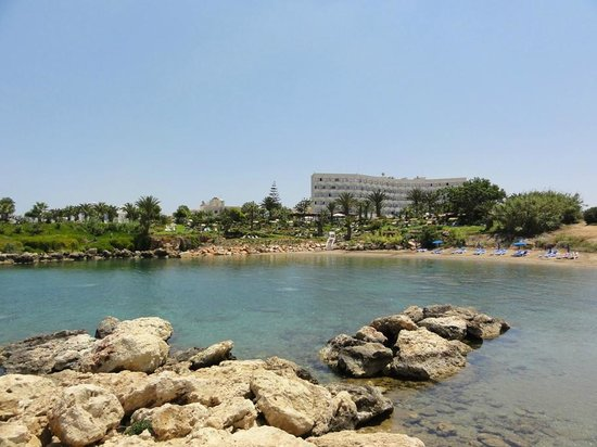 Crystal Springs Beach Hotel: Strand