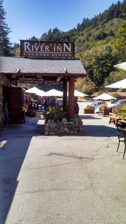 Casa Munras Garden Hotel & Spa : Big Sur River Inn - Good Food and Lovely Patio