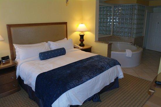 Marriott's Cypress Harbour Villas : Main bedroom
