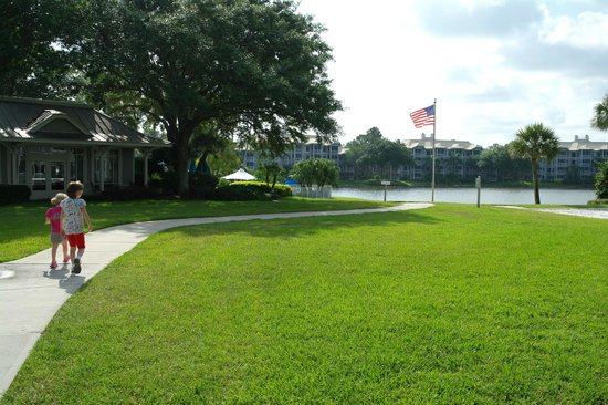 Marriott's Cypress Harbour Villas: Hotel grounds