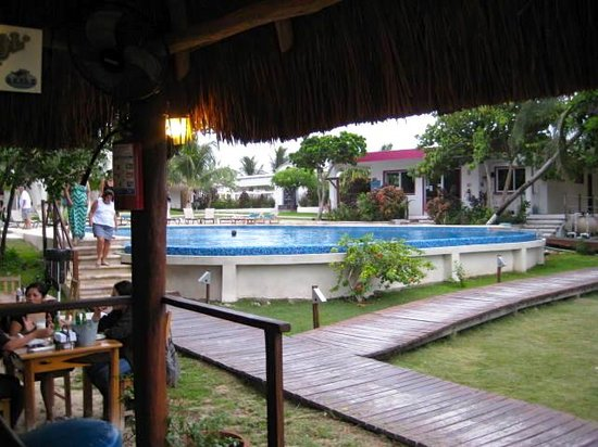 Marina Paraiso: pool from bar