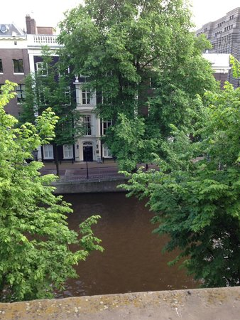 Banks Mansion: View from my room on the 2nd floor -Herengracht Canal