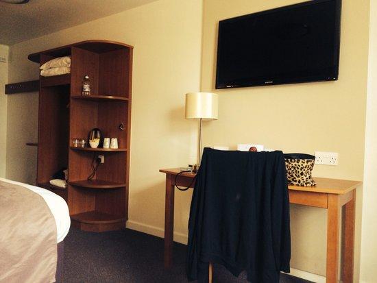 Premier Inn London Beckton Hotel: Room