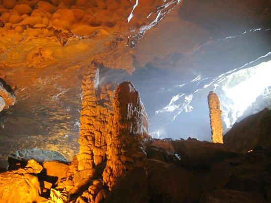Vega Travel: Cave in Halong Bay