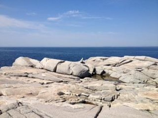 Peggy's Cove Lighthouse : So much ocean at Peggy's Cove